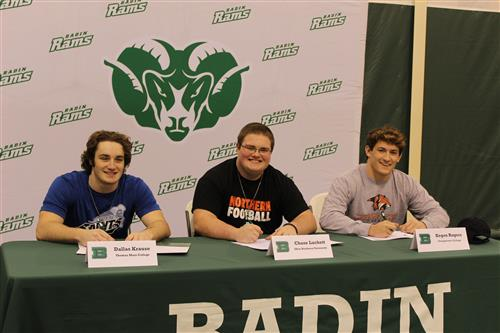 3 commit to play football